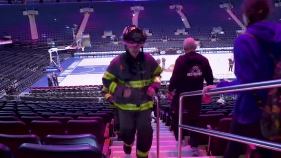 Knicks host first ever 9/11 Memorial Stair Climb at MSG