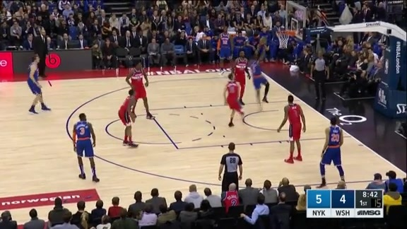 Knicks Highlights: Mudiay drives in for the dunk