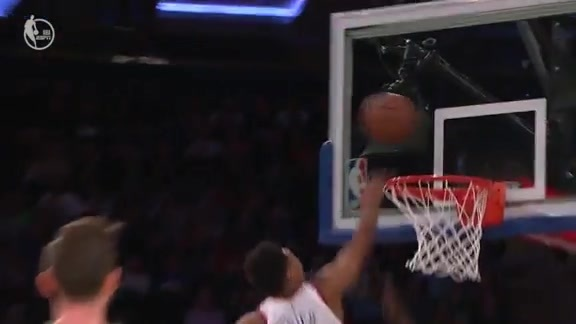 Knicks Highlights: Knox runs the floor and finishes through contact