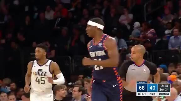 Knicks Highlights: Dotson comes off the screen and nails the three