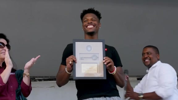 Dennis Smith Jr. Receives the Key to His Hometown of Fayetteville, NC
