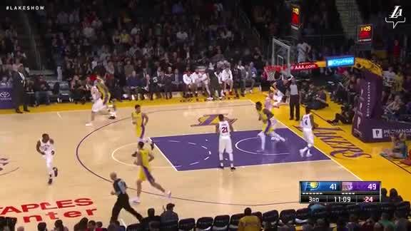 Julius Randle With the Flush