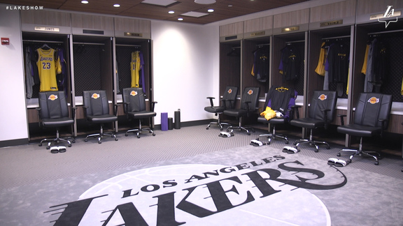 Players React To Seeing New Locker Room for First Time