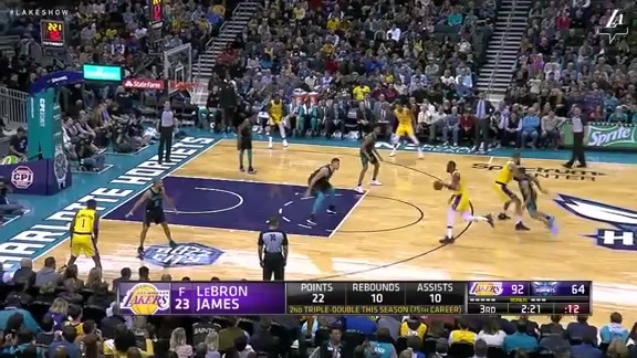 LeBron James Highlights at Hornets (12/15/18)