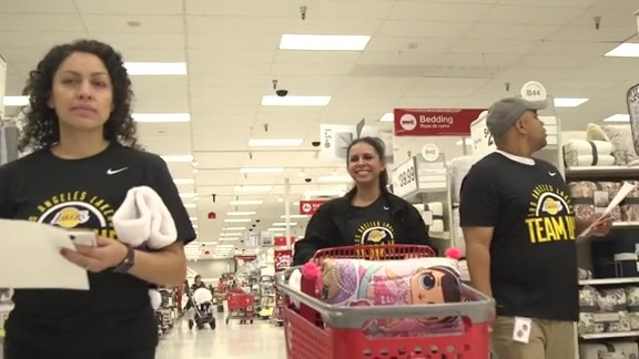 Lakers Team Up Shopping Spree
