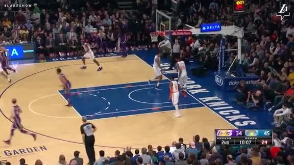 LeBron's Lookaway Pass to Williams