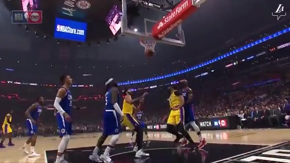 Anthony Davis First Points of the Season.mp4
