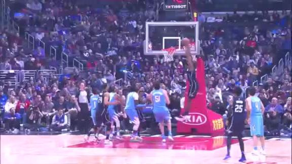 ALLEY-OOP: Mack to Biyombo