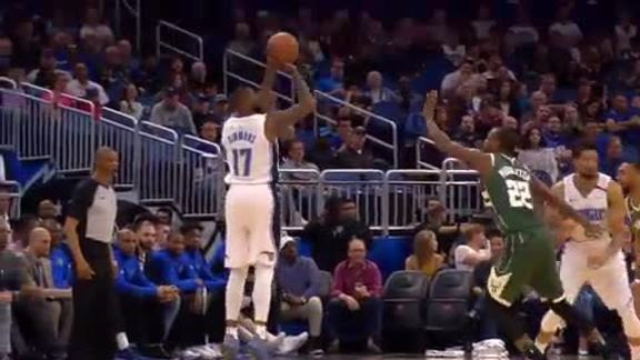 Simmons Scores Career-High 35 Points