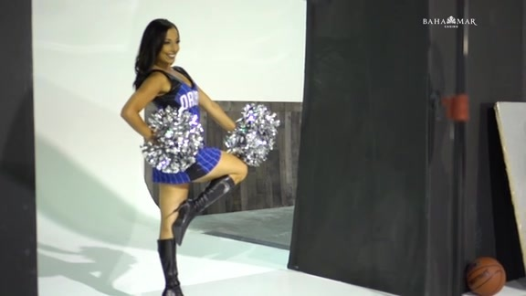2018-19 Magic Dancers: Kayla