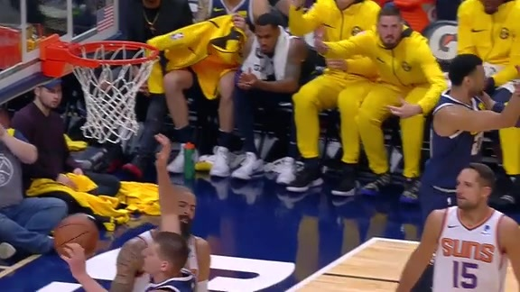 Jamal Murray Lays it Up in Home Opener