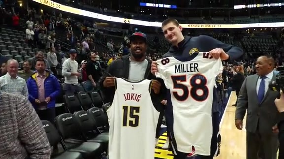 Von Miller and Nikola Jokić Swap Jerseys
