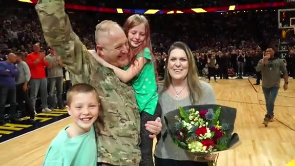 Soldier Surprise Homecoming