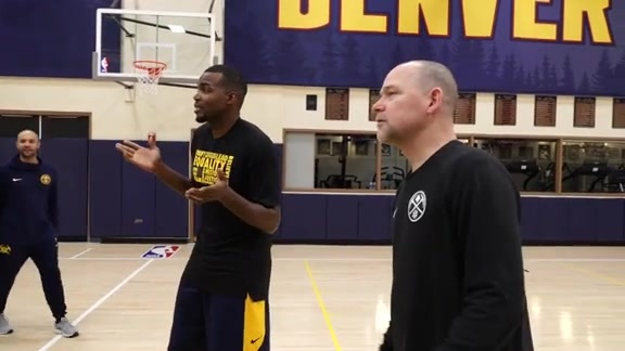 Nuggets Sing Happy Birthday to Millsap