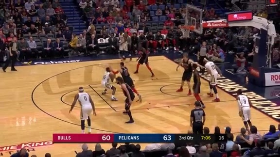 E'Twaun Shows Off His Moves