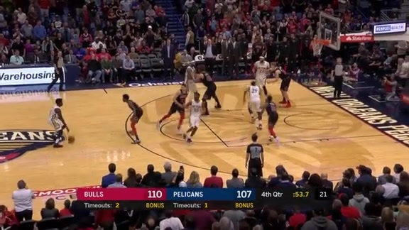 Jrue Holiday Hits a 3 to Tie