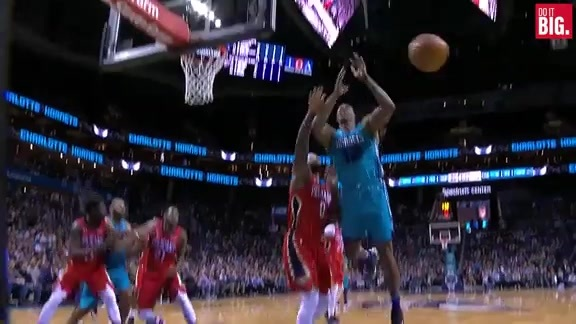Boogie closing the game with a block party
