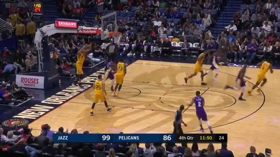Jrue Holiday has his way on offense with 28 points
