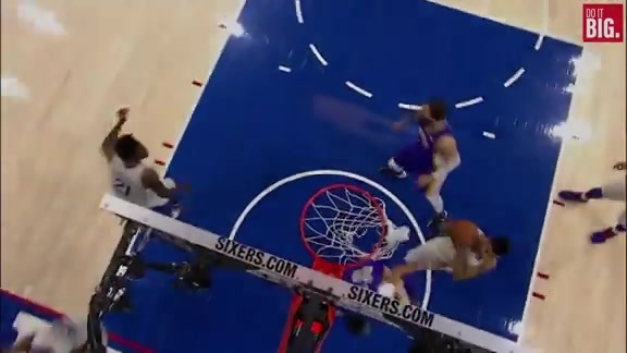 Anthony Davis with the hammer