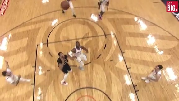 Holiday to Davis for the late alley-oop