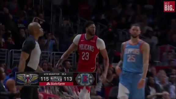 Anthony Davis with the clutch bucket