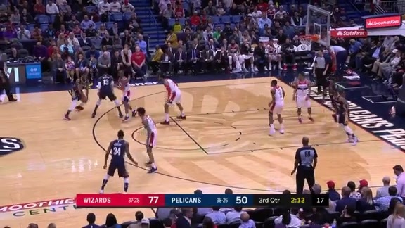 Darius Miller drains it from deep