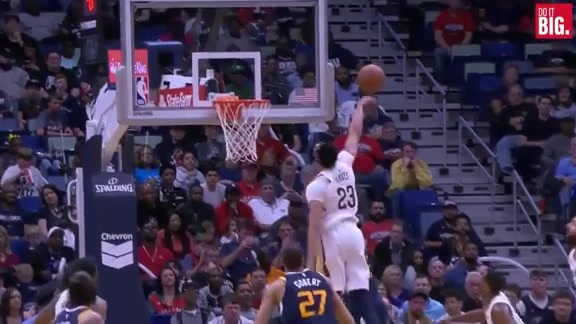 Davis continues the block party