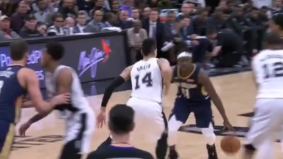 Jrue Holiday shifts defense, slams it home