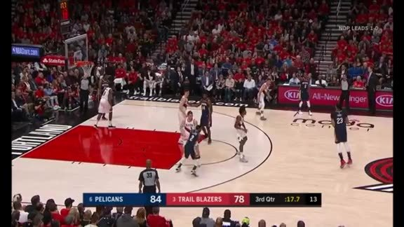 Darius Miller hits clutch three to close the third