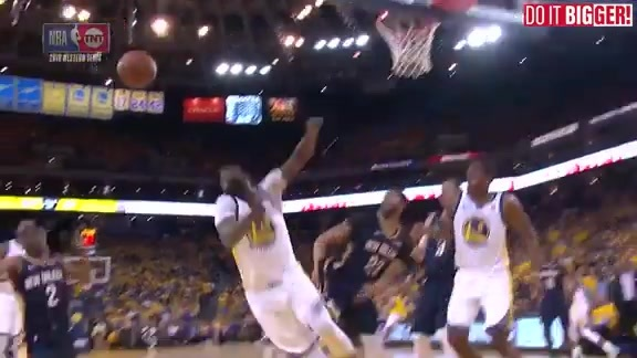 Huge block by Anthony Davis