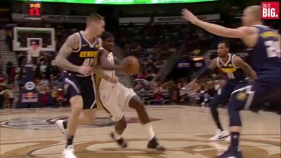 Jrue with the dribble penetration