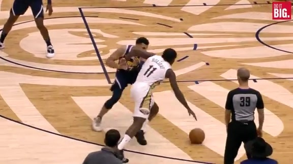 Jrue with the smooth move inside