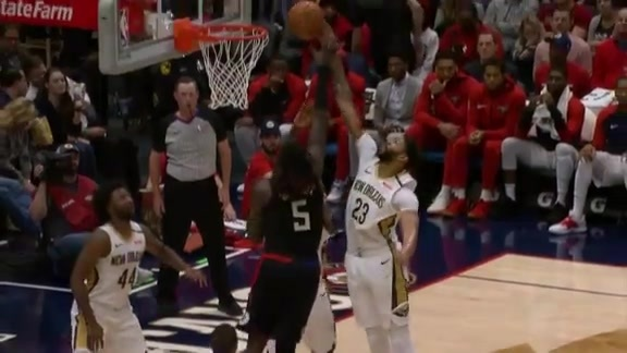 Anthony Davis with the help defense