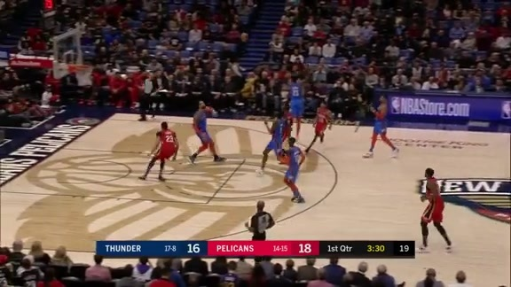 Anthony Davis soars for the lob