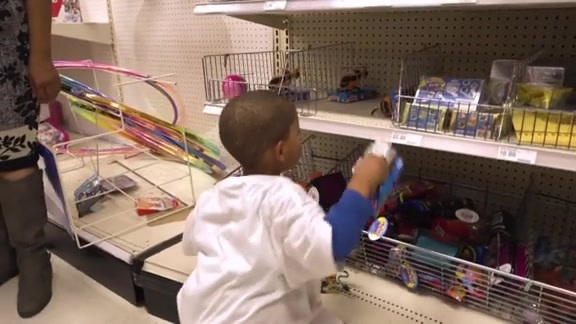 Anthony Davis' annual holiday shopping spree