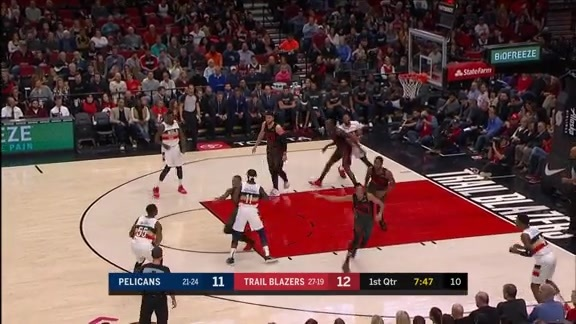 E'Twaun Moore hits early from deep