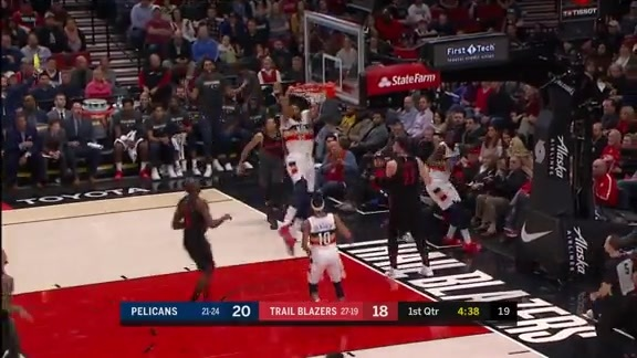 Anthony Davis cleans up the glass