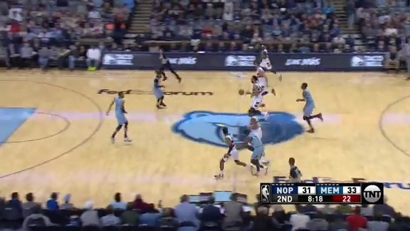 Okafor's big block leads to a finish by Holiday