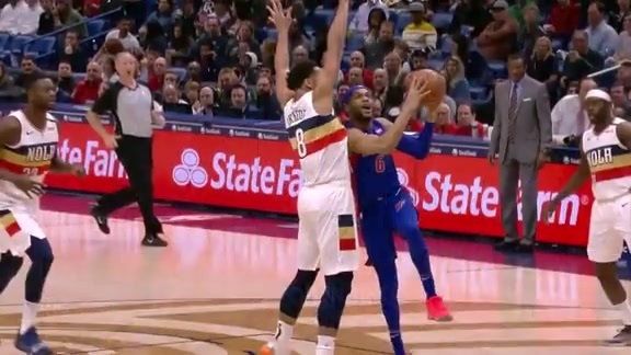Jahlil Okafor protects the rim
