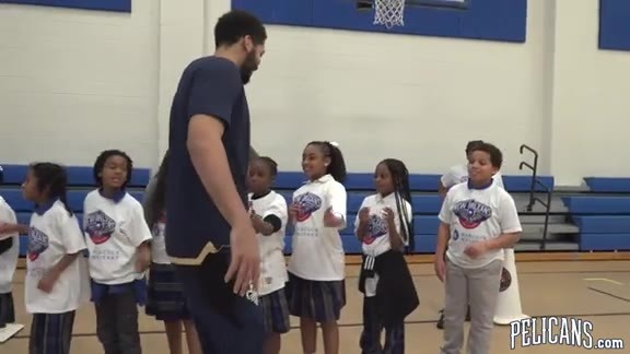 Pelicans & Hancock Whitney host Youth Basketball Clinic at Fannie C Williams