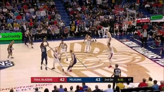Darius Miller hits 3-pointer with a hand in his face | Pelicans vs. Trail Blazers Highlights
