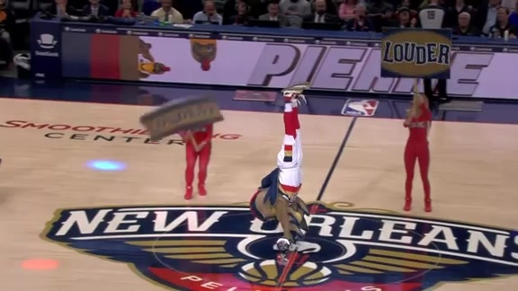 Pierre T. Pelican gets fans off their feet