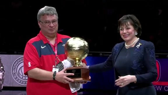Pelicans honor equipment manager David 'Big Shot' Jovanovic