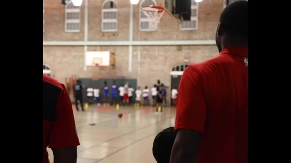 E'Twaun Moore visits Elevate New Orleans