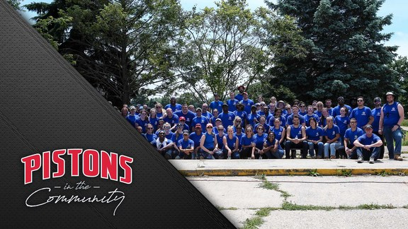 Pistons in the Community: Day of Service at Forgotten Harvest