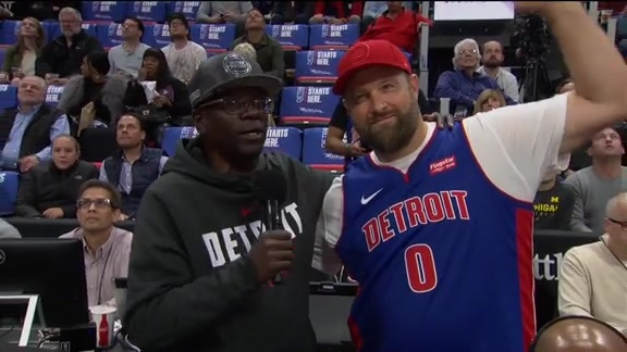 #Trending: Deee-troit Basketball Call