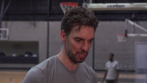 Pau Gasol - Training Camp 10/15