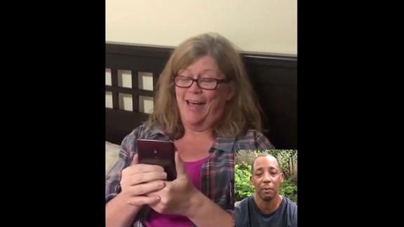 Mother's Day Messages From Matt Bonner And Sean Elliott