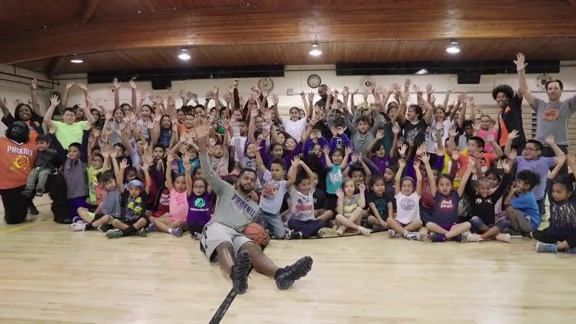 Troy Daniels and Suns Host Casino Arizona Basketball Clinic