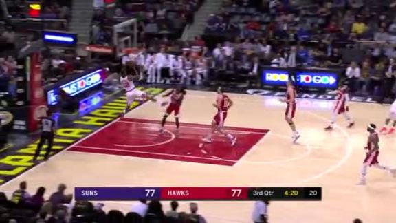 TJ Warren Makes Acrobatic Falling Shot vs. Hawks
